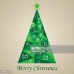 zeigt einen Adventskalender in Tannenbaumoptik
