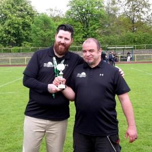 Bulldogs Bambini Flag Bowl 2017 Coaches Slingshots mit Pokal