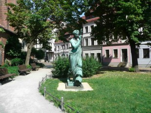 Klio2 Skulptur - Foto: Hentschel