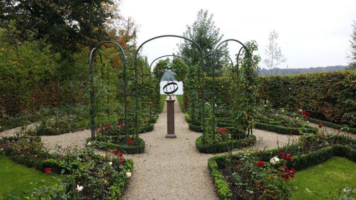 Liebermann Villa am Wannsee. Rosenhaven med soluret. Foto: Kirsten Andersen