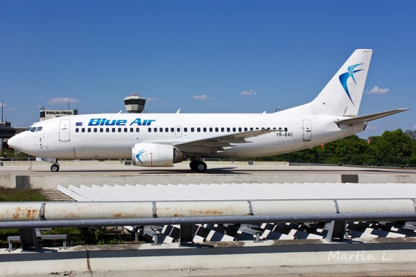 Blue Air Boeing 737-300 YR-BAC