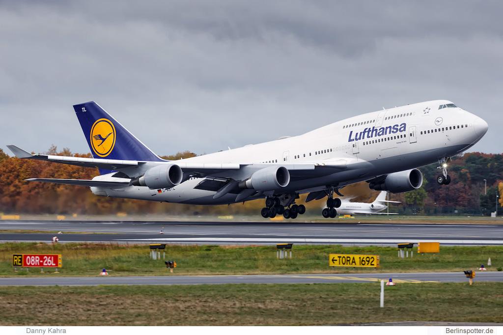 Lufthansa kommt mit 747 nach Berlin