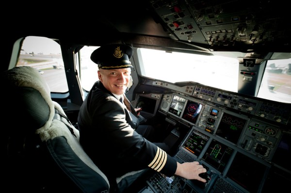 EK Captain Dirk Juchert (© Emirates)