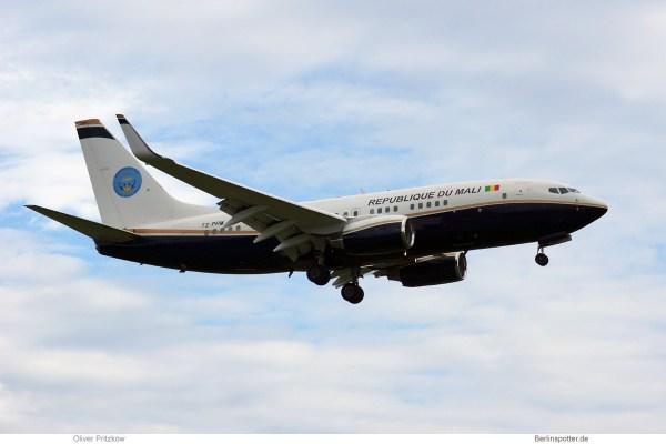 Mali Gvmt., Boeing 737-700(BBJ) TZ-PRM (TXL 11.6. 2017)
