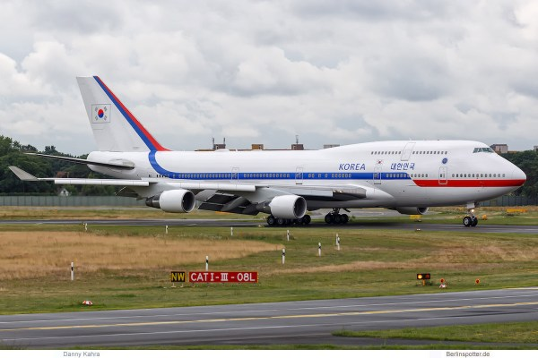 Republik Korea, Boeing 747-400 '10001', Berlin TXL 5.7. 2017)