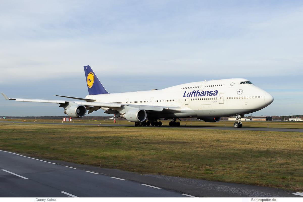 Lufthansa Boeing 747-400 D-ABVT