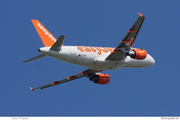 Start eines Airbus A319 der easyJet