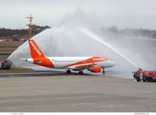 easyJet Airbus A320-200 G-EZTH, Erstflug nach Tegel (TXL 5.1. 2018)