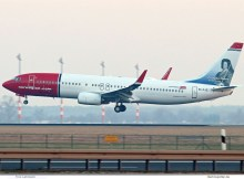 Norwegian Air International, Boeing 737-800(WL) EI-FJZ, Christopher Polhem im Tail (SXF 7.2. 2018)