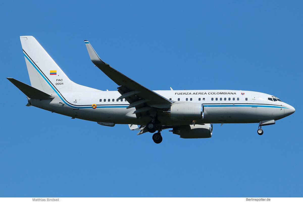 Kolumbien 737-700(BBJ) FAC0001
