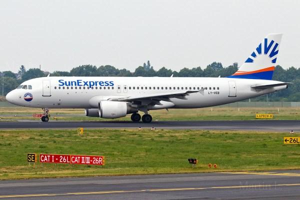 Sun Express, Airbus A320-200 LY-VEB (TXL 2.6. 2018)