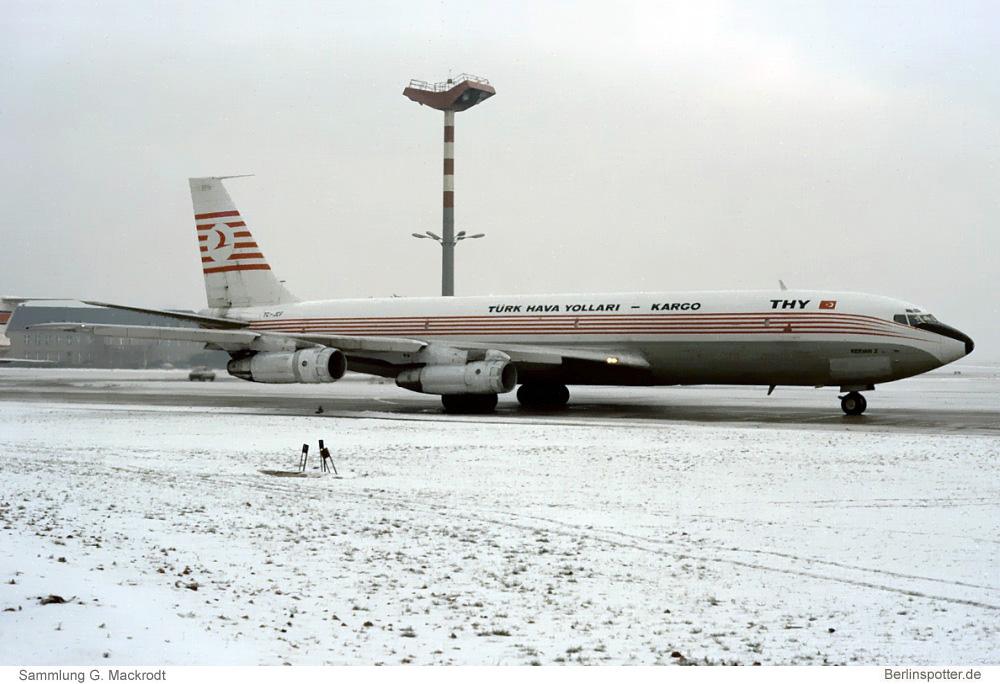 Turkish Airlines Cargo Boeing 707-321C TC-JCF