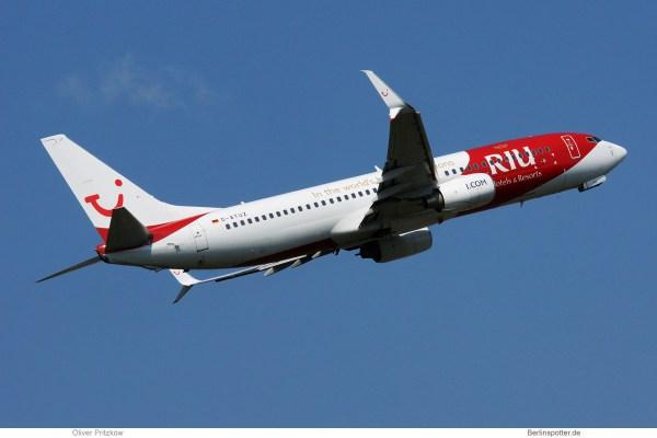 TUIfly, Boeing 737-800(WL) D-ATUZ in RIU-Bemalung (TXL 27.8.2019)