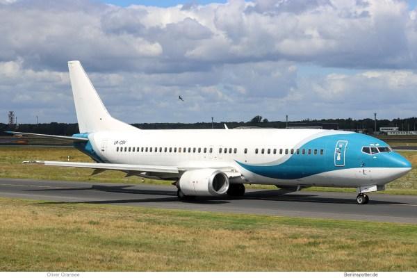 Jonika, Boeing 737-400 UR-CSV (TXL 7.7.2020)
