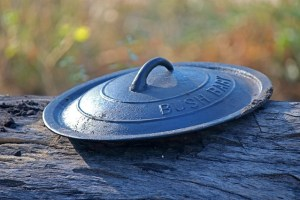 cast-iron-pot-lid-3809713_640
