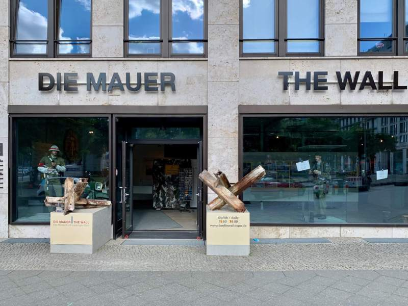 Die Mauer The Wall Museum Berlin