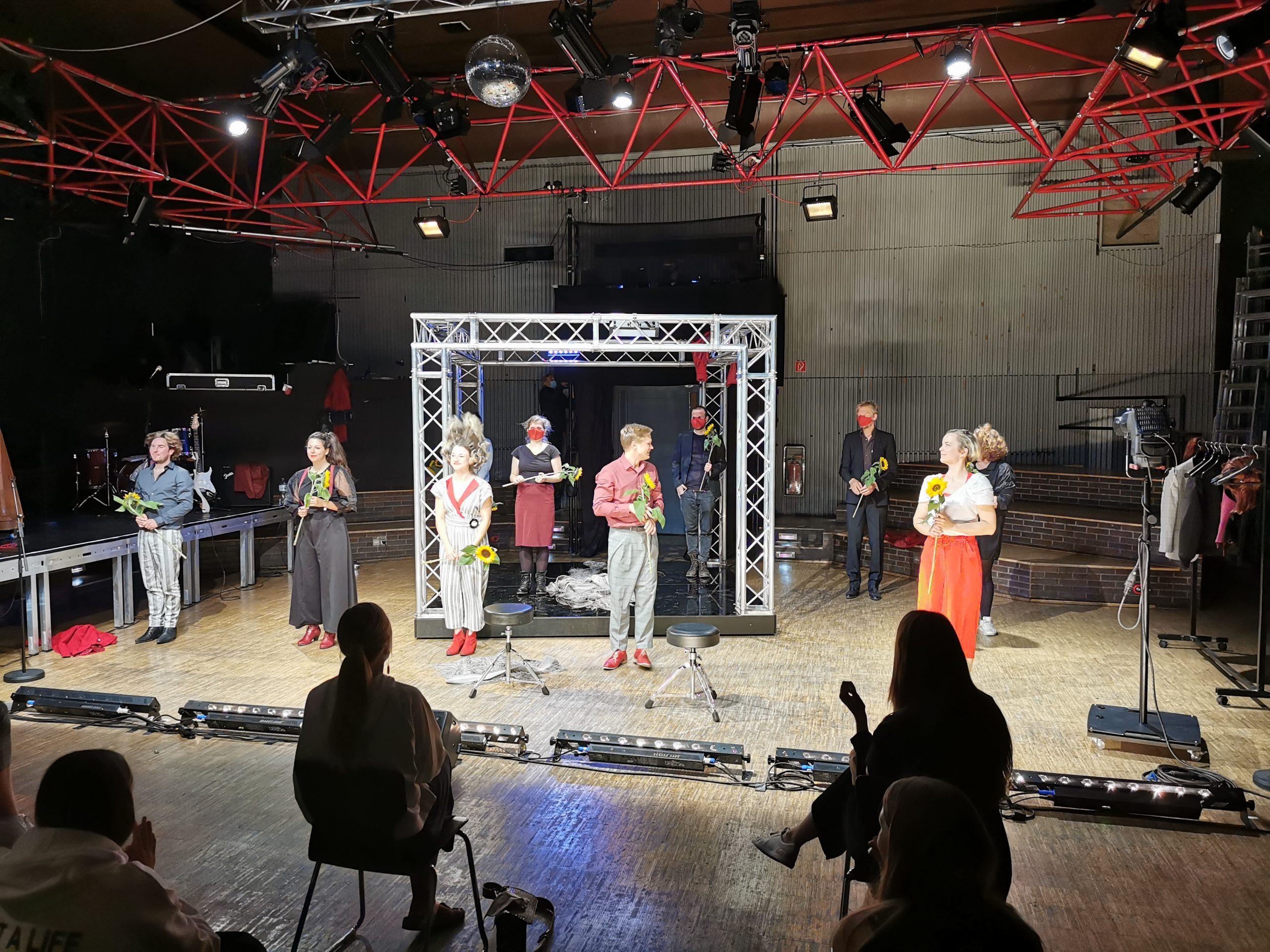 FOREVER YOURS oder Die Leiden des jungen Werther – Theater Strahl Berlin