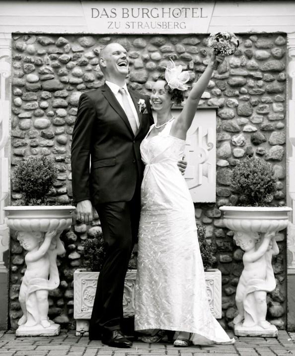Brautpaar feiert seine Trauung in Strausberg