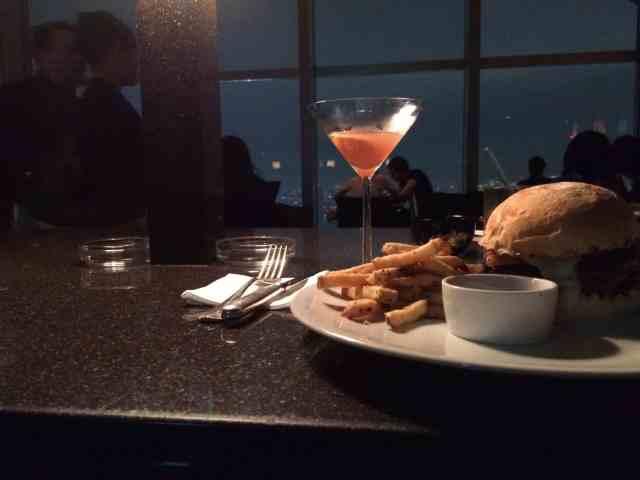 Wagyu Beef Burger Hyatt Tokyo New York Bar BERLIN LOVES YOU