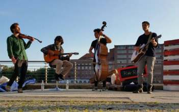 berlin-loves-you-the-river-rats-playing-featured
