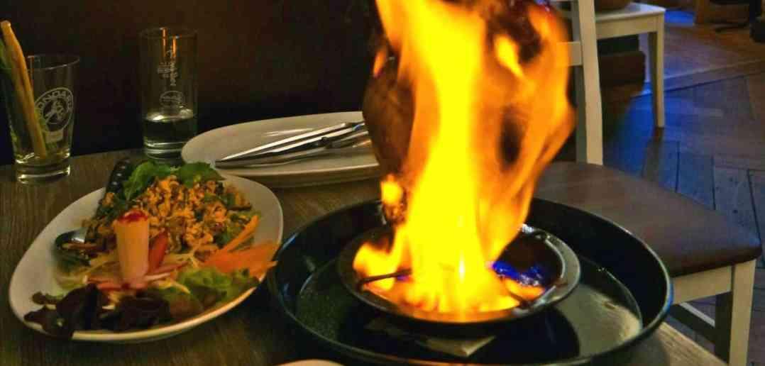 Bangkok-City-Berlin-Flaming-Chicken-2 (1)