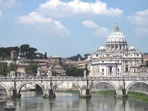 italy-roma-bridge