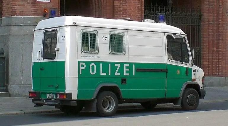 Gruppenkraftwagen Polizei Berlin