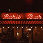 Esterno Paris Bar https://www.instagram.com/p/BpSF87qFvmn/