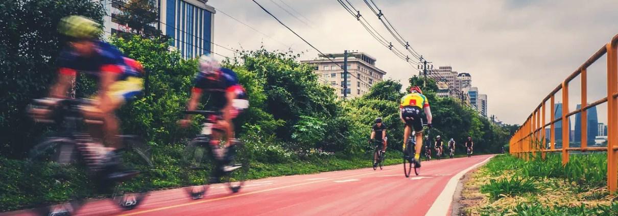 pista ciclabile, fgmsp, https://pixabay.com/it/photos/bici-pista-ciclabile-ciclisti-1534906/ CC0
