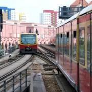 Metro, C_Ki, https://pixabay.com/it/photos/berlino-treno-ponte-della-s-bahn-1677674/, CC0