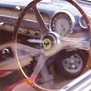 Ferrari, pixel 2013, https://pixabay.com/it/photos/oldtimer-ferrari-automatico-retrò-4097480/ CC0