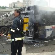 incidente,PublicDomainPictures,https://pixabay.com/it/photos/autobus-incidente-fuoco-72213/, CC0,