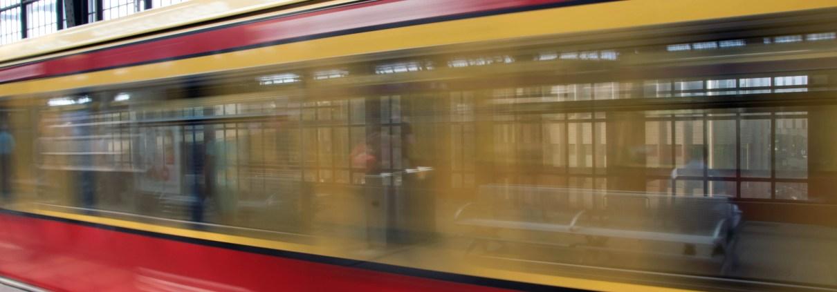 Train, © Marco Verch Professional Photographer and Speaker, https://www.flickr.com/photos/30478819@N08/36451302366/in/photolist-Xx5sfs-5Atqyq-q1Guh3-bza6VY-6FPWZv-68uocf-de3Re8-7mKvFY-EThoX-dhz2xv-hhT183-NeQF-EThbH-8kk16o-yoVXk-qMeZKv-qM92sG-kgvBZ-8CTF6r-jKf7mb-2faTXzM-VB5iaT-7P9mq2-7PdqFA-2bMqJbf-bEzbyb-2cKAYQh-fURDZ-pJwhxu-dhz35c-6dwyhQ-eCFe3-6uhA7E-3WTjyJ-8CWJBJ-7bp7Be-74Xh8c-9W2KbK-8HSMF-8CTCpz-Fsita-a8tYH6-8CTBmr-9CXuhC-5WXR6S-cq7xWL-7jX4NM-27kQE9Y-YRZb2H-YfQVdq