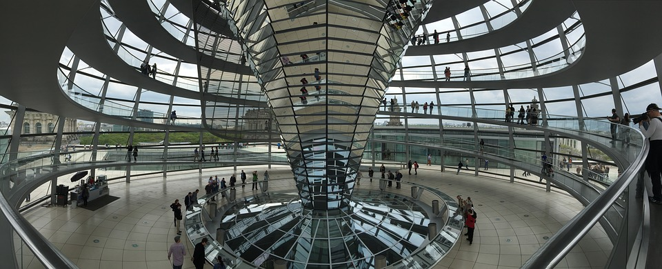 Cupola Reichstag, ©https://pixabay.com/it/photos/berlino-germania-reichstag-tetto-1763178/