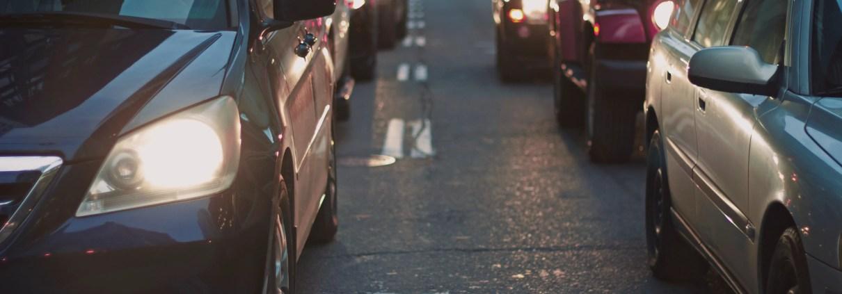 Cars, ©Nabeel Syed, https://unsplash.com/photos/Jk3-Uhdwjcs