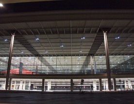 Terminal mit Festbeleuchtung
