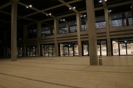 Terminal (Erdgeschoss) von außen