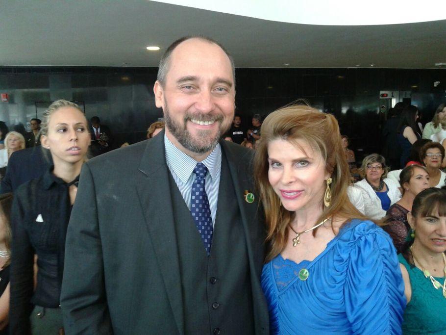 Ministro Luis Inácio Adams com Bernadete Alves