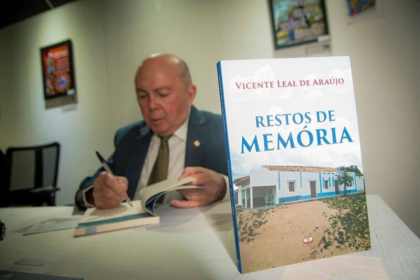 Brasília (DF), 31/08/2018  Outorga  do Título de Cidadão Honorário a Vicente Leal de Araújo Local: Plenário da Câmara Legislativa Foto: Hugo Barreto/Metrópoles