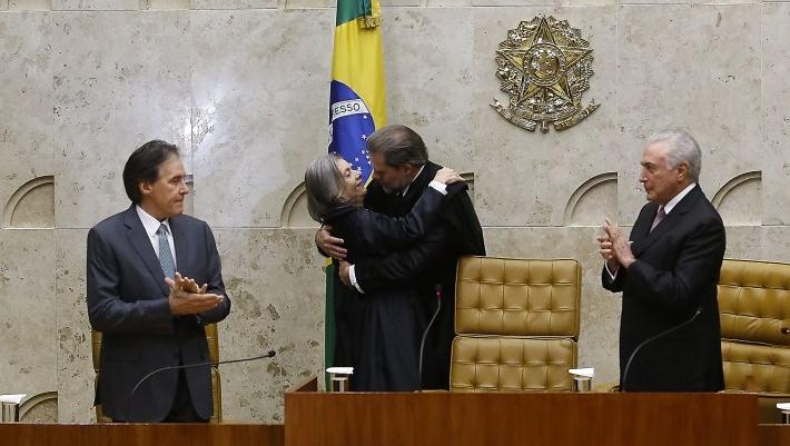 Senador Eunício de Oliveira e presidente Michel Temer na transmissão de cargo no STF