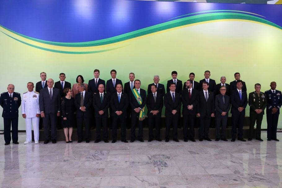 Jair Bolsonaro posa para foto oficial.