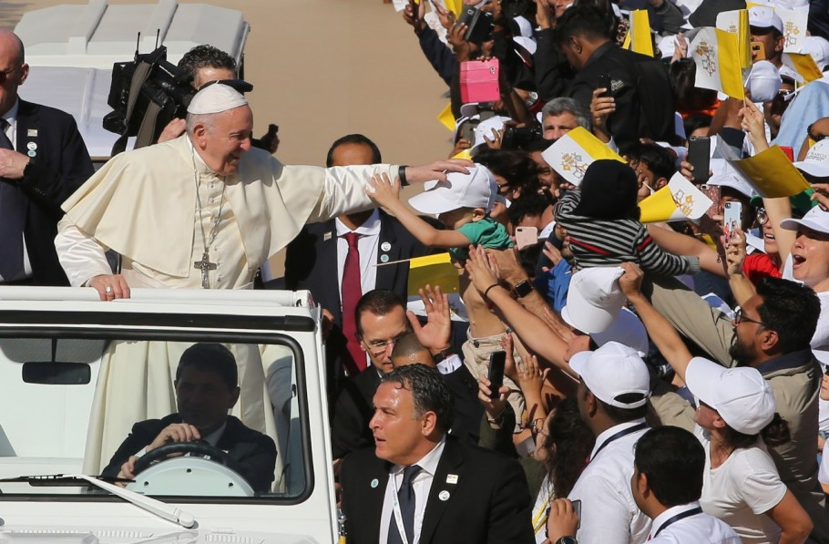 Papa  visita Abu Dhabi - bernadetealves.com