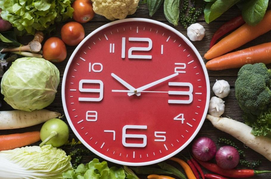 Cotidiano estressante e refeição calórica atrapalham o sono - bernadetealves.com