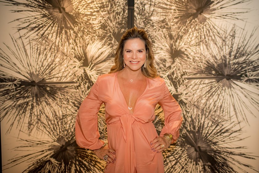 Claudia Salomão brinda a vida e amizades verdadeiras - Bernadete Alves