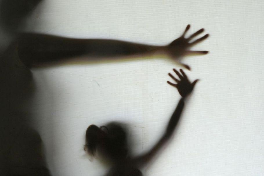 Crianças vitimas de violência - Disque 100 - Bernadete Alves