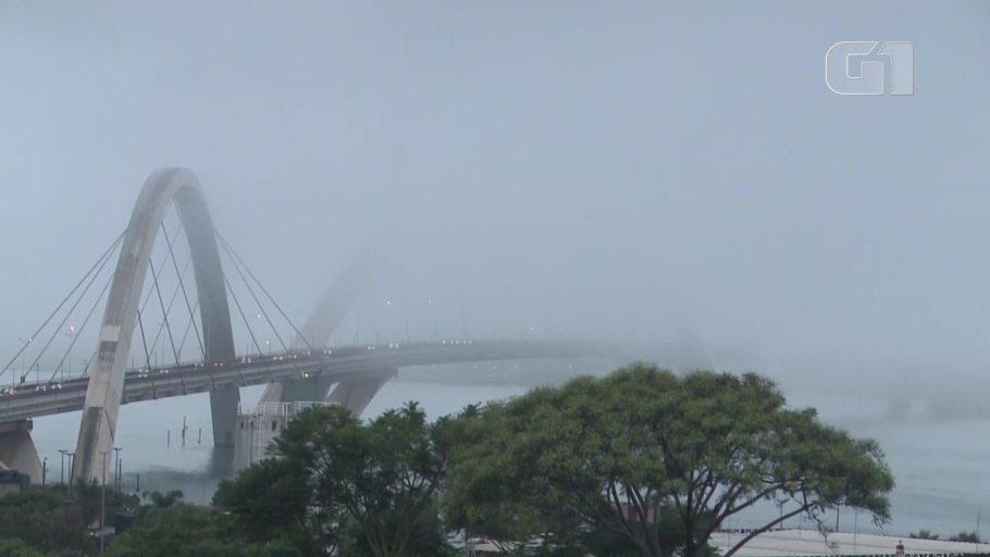 Brasília com cara de inverno - ponte JK - Bernadete Alves