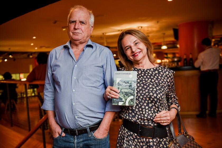 """Gracia Cantanhede - livro """"Brasília, Meu Amor"""" - Bernadete Alves"""