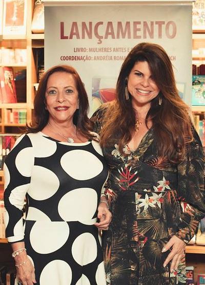 Sandra Costa com a coautora Janine Brito, do Livro Mulheres Antes e Depois dos 50 - Editora Leader