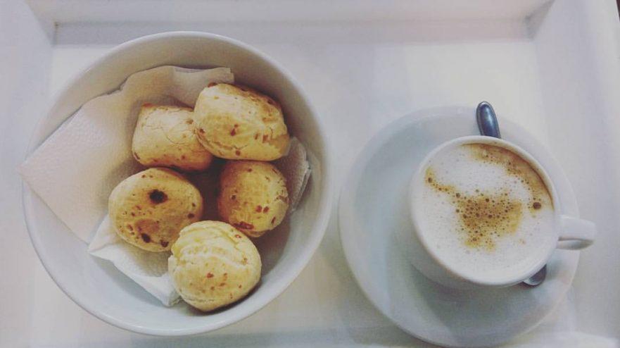 Pão de Queijo - iguaria mineira do século 18 é festejada hoje - Bernadete Alves