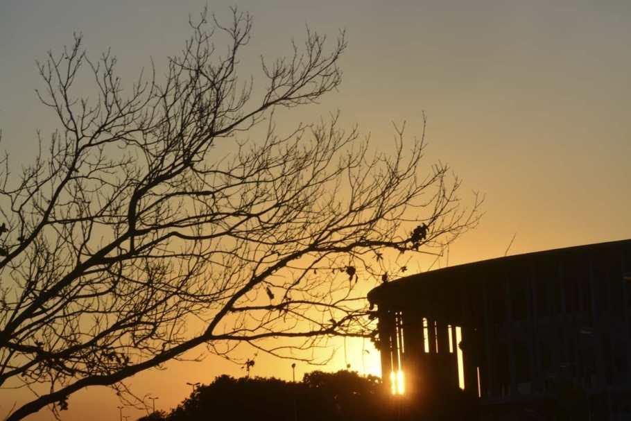 Umidade do ar cai a 10%, temperatura bate recorde e pôr do sol surpreende - Bernadete Alves